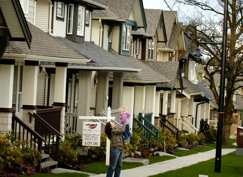 Greater Vancouver home sales now below $1 million benchmark that held for more than two years